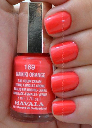 Unhas com Waikiki Orange Mavala
