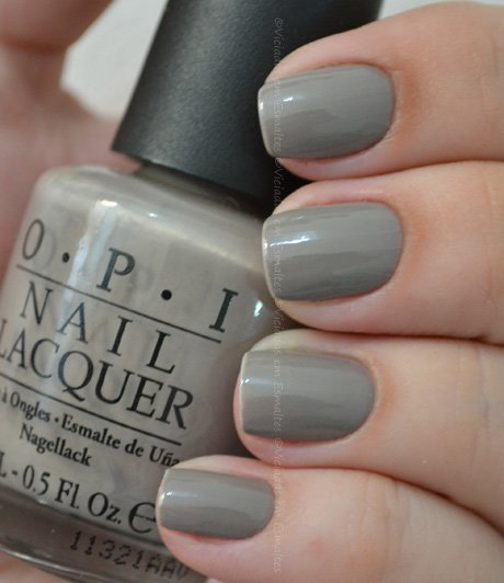 Unhas com Esmalte O.P.I French Quarter For Your Thoughts NL T26