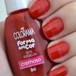 Unha Com esmalte Seta Vermelha Colorama