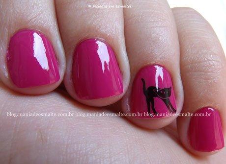 unhas com Esmalte Gipsy Derma Nail