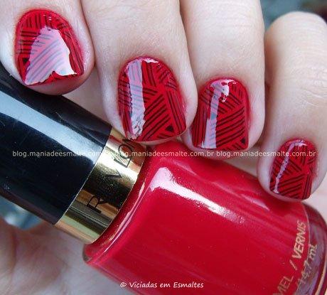 Esmalte Revlon Red com Carimbo Konad m95