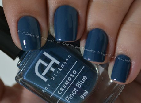 unha com esmalte ana hickmann pinot blue
