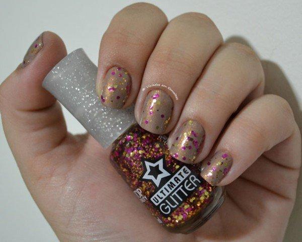 Unhas com Esmalte Ultimate Glitter Vip