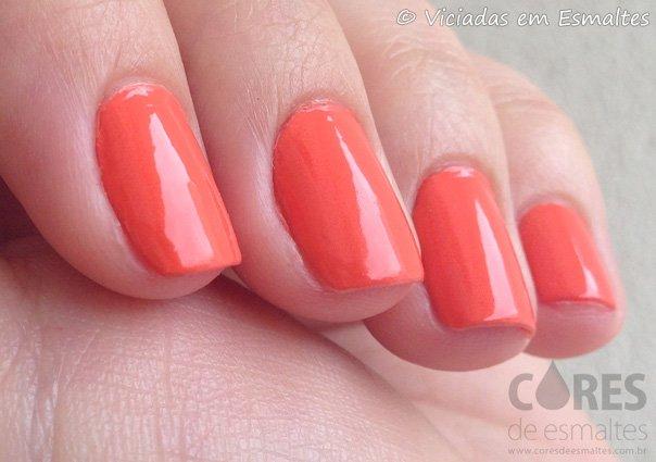 Unhas com Esmalte Alfaparf Orange 048