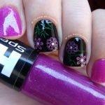 Esmalte Hits Purpurea com Nail Art