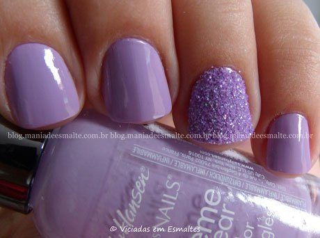 unhas Decoradas com Esmalte Sally Hansen Hard as Nails Lacey Lilac + filhá única com glitter