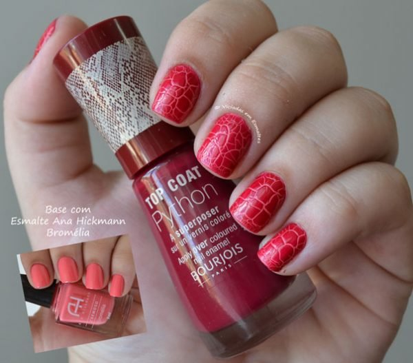 Unhas com Top Coat Python Bourjois