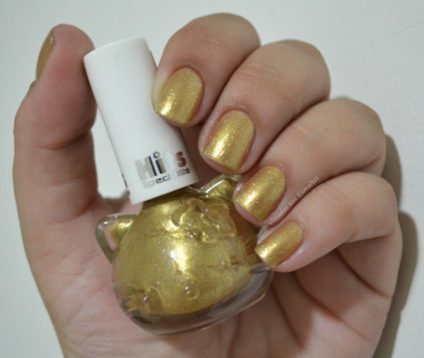 Unhas com Esmalte Hello Kitty Golden Shine