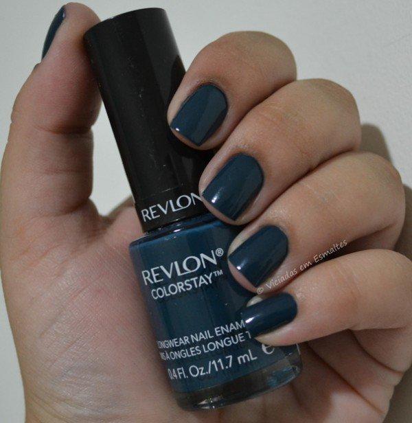Unhas com Esmalte Revlon ColorStay Midnight