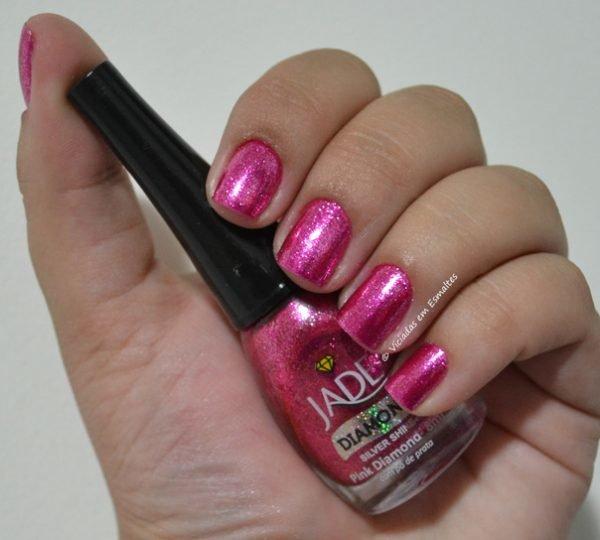 Unhas com Esmalte Jade Pink Diamond