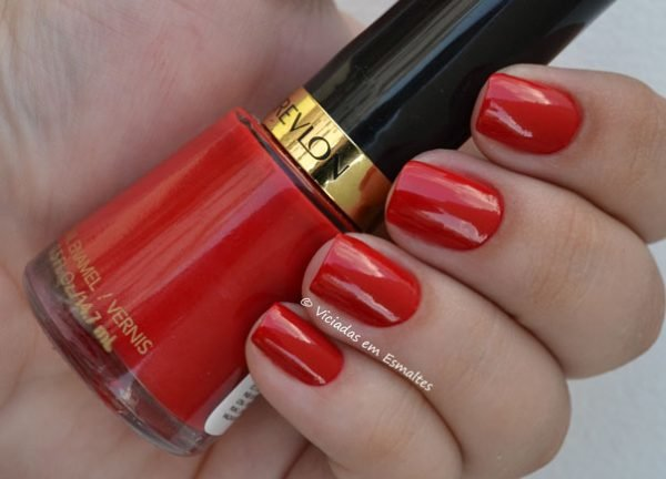 Esmalre Revlon Red
