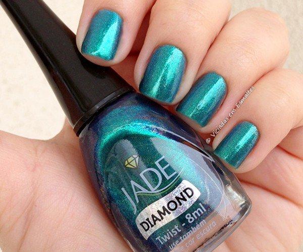 Unhas com Esmalte Jade Diamond Twist