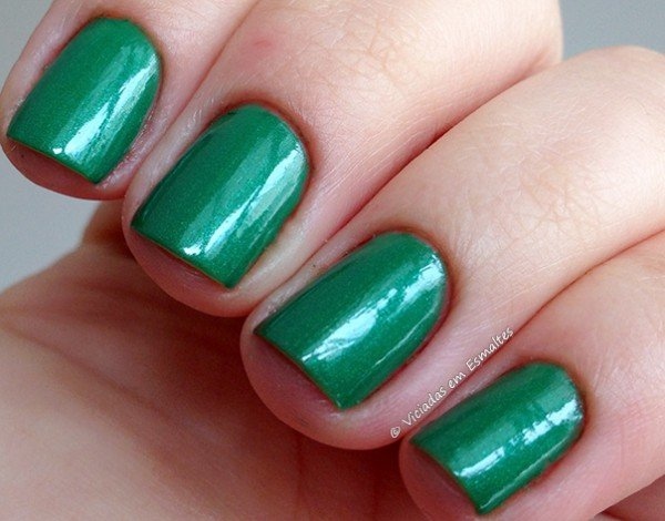 Esmalte Sally Hansen Going Green 430 Hard as Nails