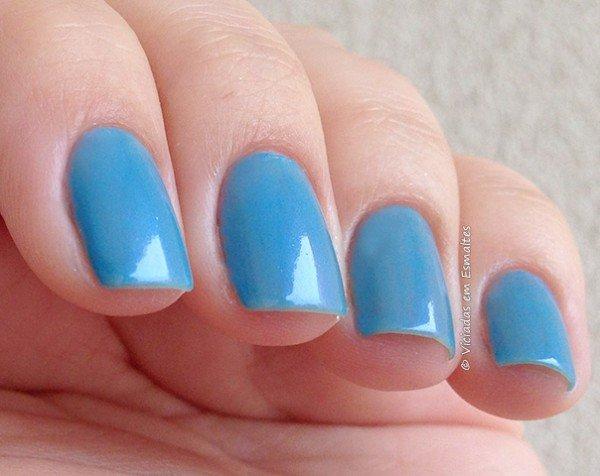 Unhas com Esmalte Alfaparf Blue Sky