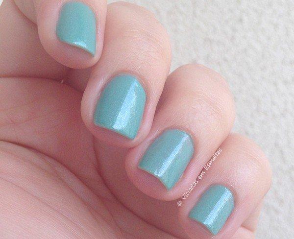 Unhas com Esmalte Beautty Color Drops