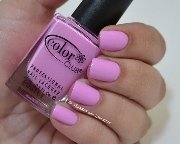 Unhas com Esmalte Color Club Wicker  Park