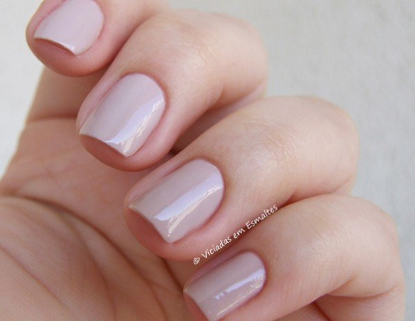 Unhas com <b >Esmalte</b > Beauty Color Princess