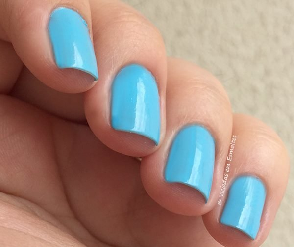 Esmalte Preta Gil Azul Ipanema