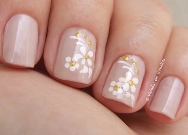 Nail Art com Adesivo Artesanal